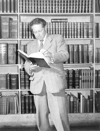 Feuchtwanger at Dawson's bookstore, Los Angeles, 1949