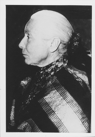 Profile portrait of Marta Feuchtwanger in the 1970s