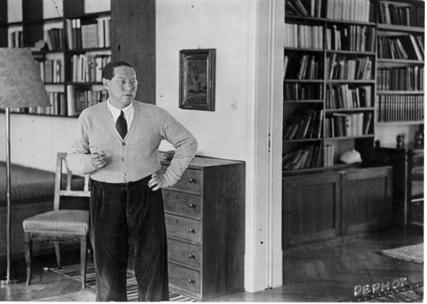 Feuchtwanger standing in his study in Berlin, 1932