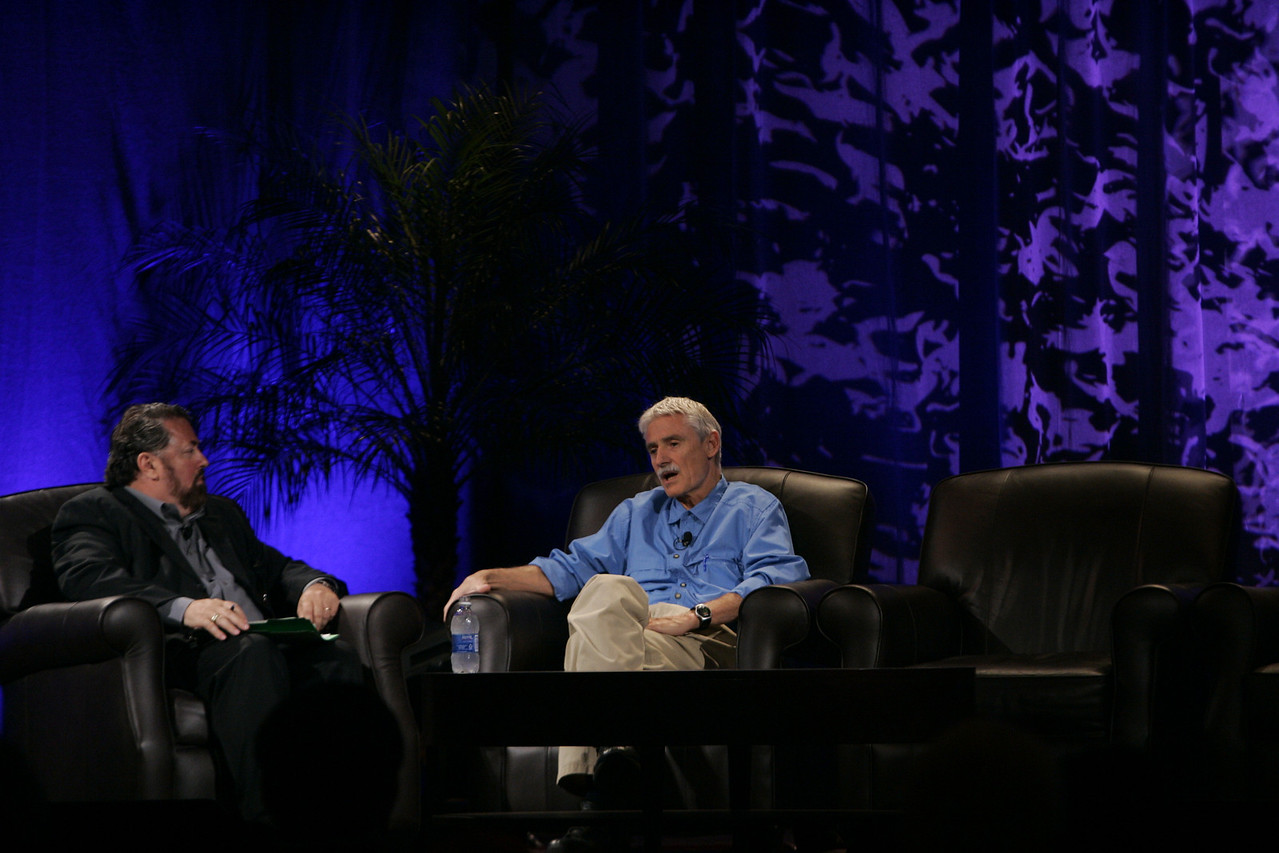 """""""Fixing Healthcare III: Radical Approaches for Improving Healthcare"""": Host Mark Anderson (L), Chair of FiRe and SNS CEO, and Nobelist Lee Hartwell, President and Director of the Fred Hutchinson Cancer Research Center"""