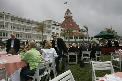 Lunch on the Windsor Lawn: (L-R, foreground) Bruce Harned (standing), Suzie Harned, Sharon Anderson-Morris, and Nelson Heller
