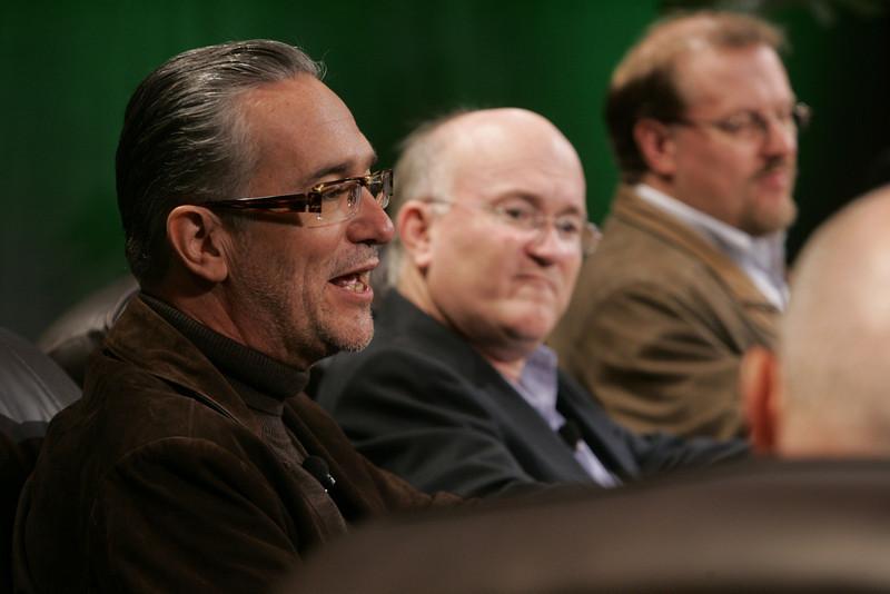 """Hotspots II"": (L-R) Ricardo Salinas, CEO, Grupo Salinas; Don Jones, VP Business Development, QUALCOMM; and Simon Hackett, CEO, Internode"