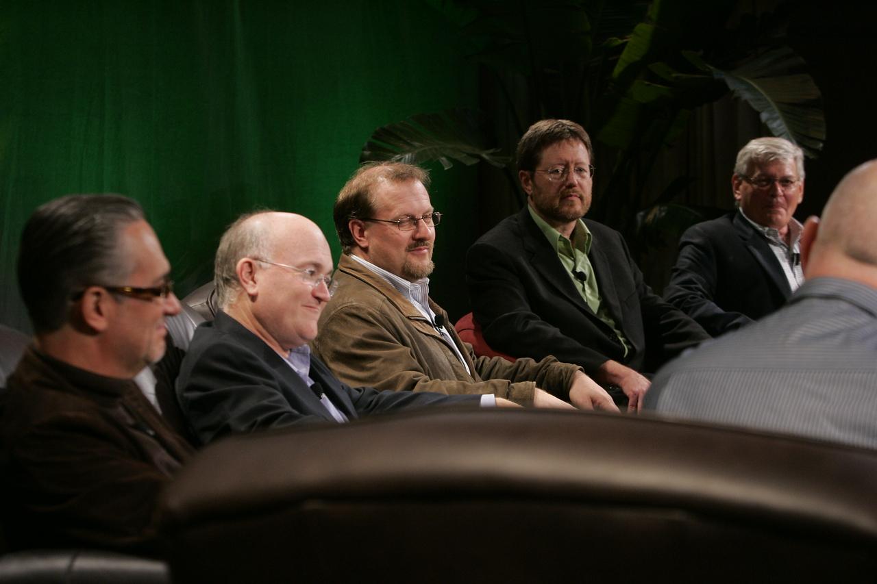 """Hotspots II,"" moderated by the BBC: (L-R) Ricardo Salinas, Grupo Salinas; Don Jones, QUALCOMM; Simon Hackett, Internode; Mark Foster, Zimmer Gunsul Frasca; and David Morris, EcoVerdance"