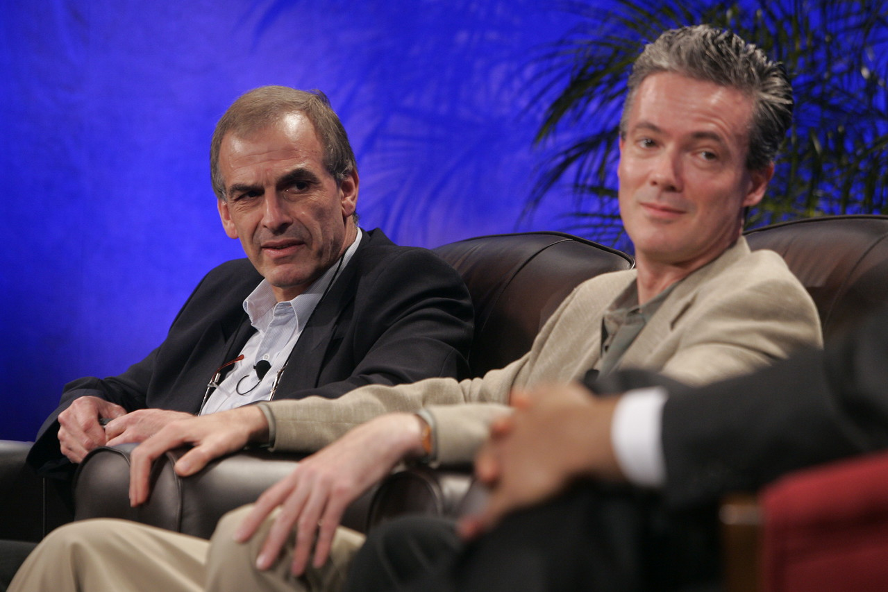"""""""The Future of Wireless: From Mobile Ads to Mobile Purchases"""": Hugh Bradlow (L), CTO, Telstra; and Gary Roshak, VP, Mobile Advertisers and Publishers, Yahoo!"""
