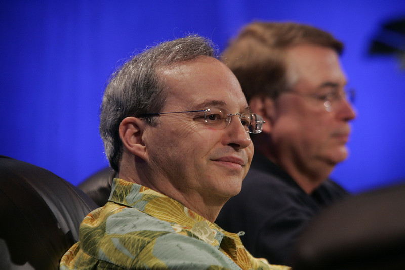 """""""Next Up in High-Performance Computing"""": Justin Rattner (L), vice president and CEO, Intel; and Larry Smarr, Director, Calit2, UCSD"""