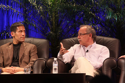 """One Cloud Serving Many Platforms, Applications, and Devices"": (L-R) Noam Ziv, VP, Engineering, Qualcomm; and Mario Dal Canto, Chair and CEO, SIMtone"