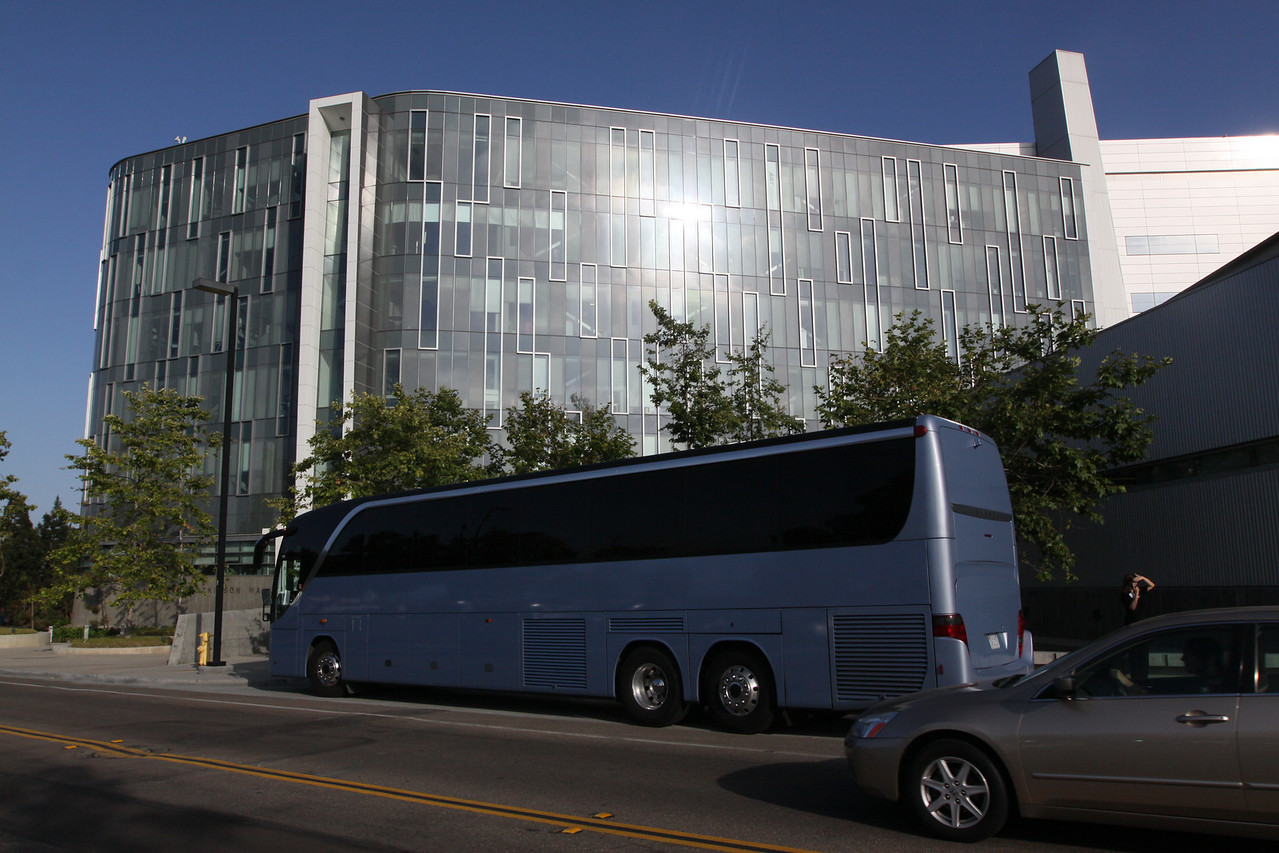 """The first FiRe coach arrives at the Next-Generation Visualization and Networking Facilities (the """"FiRe Lab""""), UCSD"""