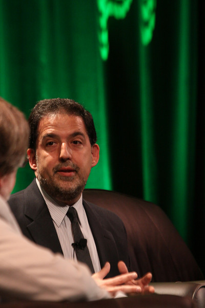 """""""Finding Solutions to Current Economic Challenges"""": Ira Kalish (R), Director of Global Economics, Deloitte Research; and host Scott Foster, Sr. Analyst, HSBC Securities (Japan) and Principal, Misaki Research"""