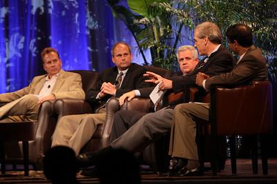 """The Future of Wireless Broadband"": (L-R) Fred Kitson, CVP, Motorola; Chris Pearson, President, 3G Americas; David Achim, President and COO, SkyFiber; Hugh Bradlow, CTO, Telstra; and Rama Shukla, Intel"