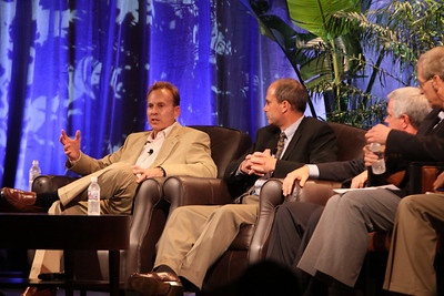 """The Future of Wireless Broadband"": (L-R) Fred Kitson, CVP, Motorola; Chris Pearson, President, 3G Americas; David Achim, President and COO, SkyFiber; and Hugh Bradlow, CTO, Telstra"