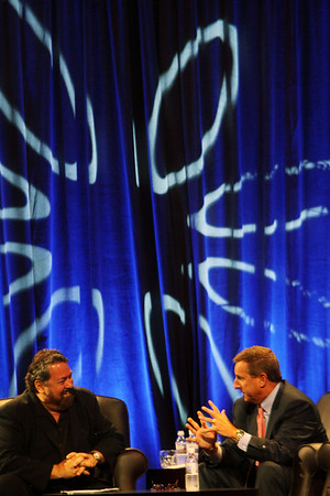 Keynote Conversation with Mark Hurd (R), Chair and CEO, Hewlett-Packard; with host Mark Anderson, CEO of SNS and FiRe Chair