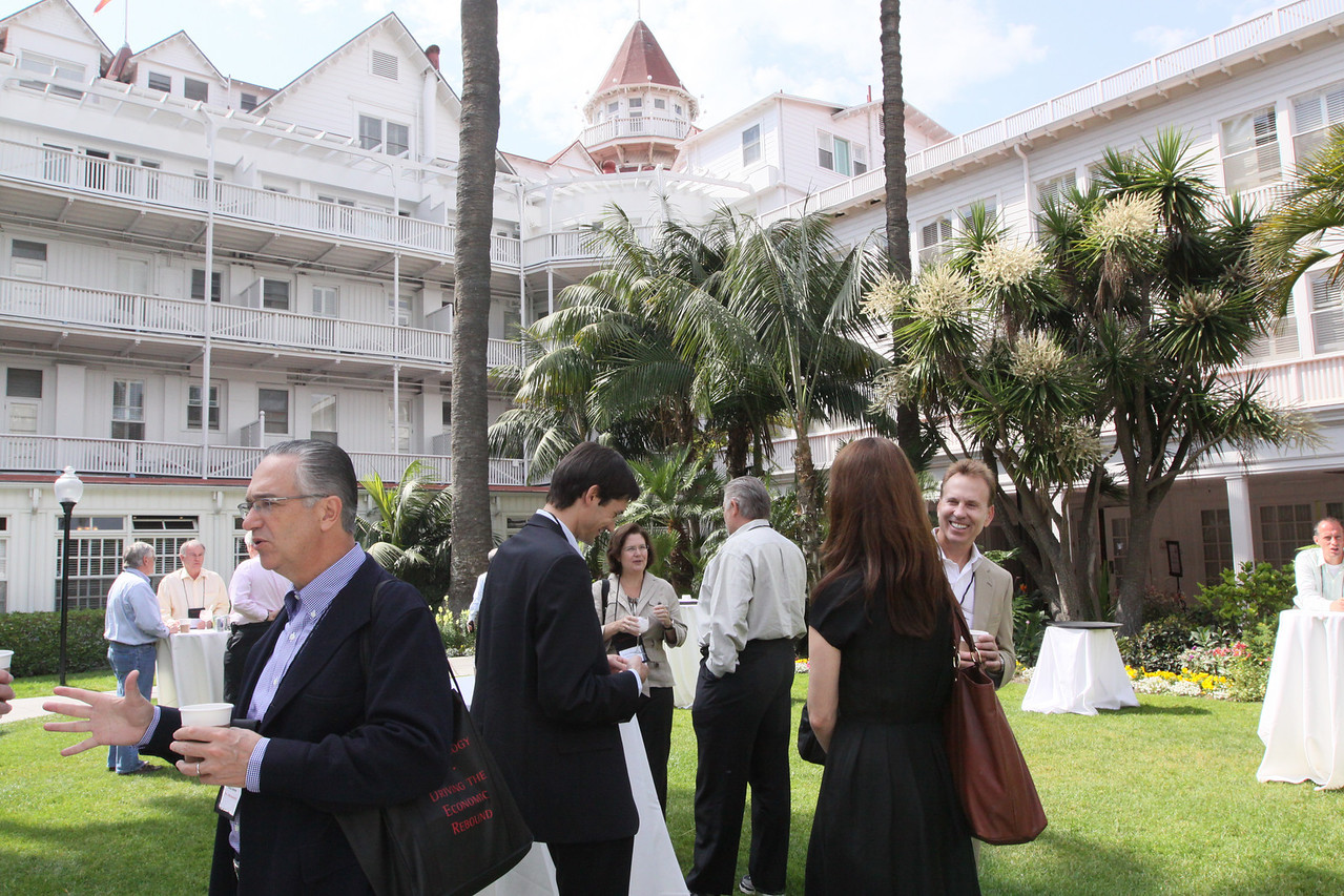 (L-R) Ricardo Salinas, Grupo Salinas; Georg Kopetz, TTTech Computertechnik AG; and Lucinda Stewart, OVP Venture Partners