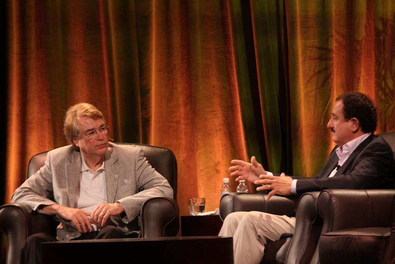 """""""Bandwidth Economics: The Global Rollout"""": Sol Trujillo (R), past CEO, Telstra; with host Larry Smarr, Director, Calit2 (the """"FiRe Lab""""), UCSD"""