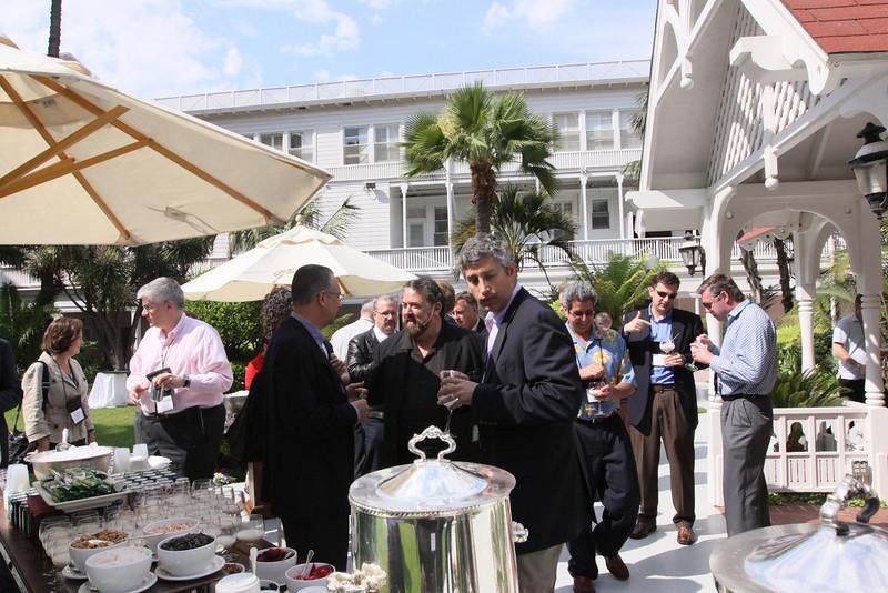 Mark Anderson (center) visits with Ricardo Salinas, Chair, Grupo Salinas