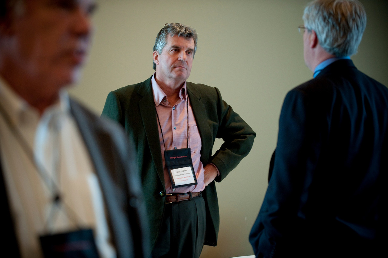 Dave Curry (center), Co-Founder, President, and CEO, Demand Energy Networks; and Larry Williams, Assistant Director, International Trade and Economic Development Division, Washington State Department of Commerce