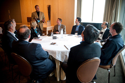 SNS event staff member Donald Murray addresses the Biomedicine breakout group.