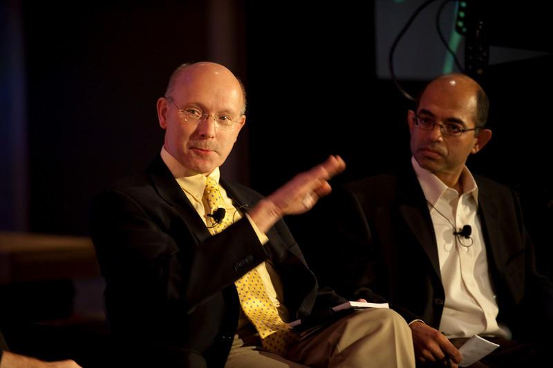 CTO Design Challenge II: Bill Schrier (L), CTO, City of Seattle; and Sailesh Chutani, Senior Director, Windows Mobile, Microsoft