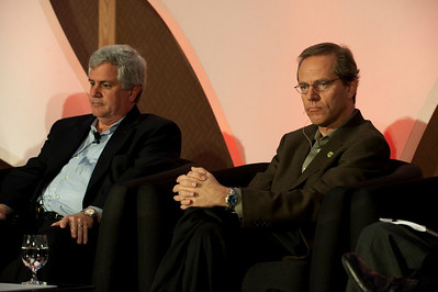 "FiReStars Panel: ""Changing the World in Eight New Ways"": David Achim (L), President and COO, SkyFiber Inc.; and Kevin Surace, CEO, Serious Materials"