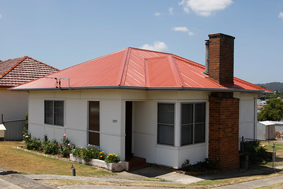 GWP. Fibro Houses in Lithgow. Brick chimneys as Lithgow has a cold winter. 20090204.