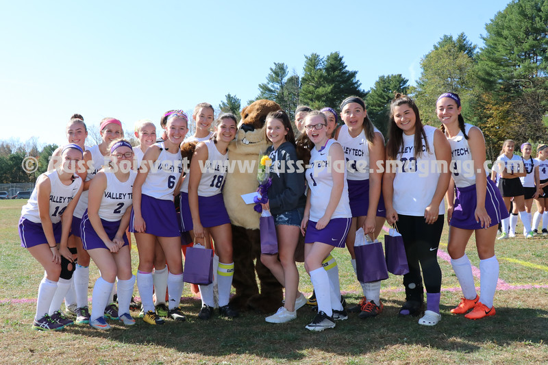 2017 Field Hockey Seniors 050