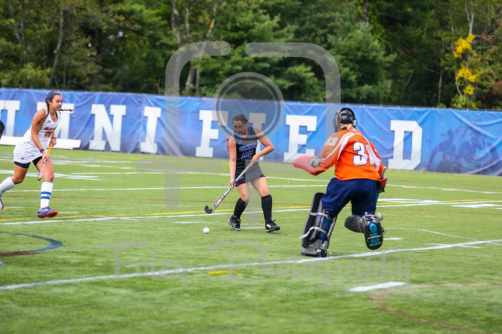 Becker College Hawks Brianna Kyc (10) Salem State Vikings Gabriella Cerro (30)