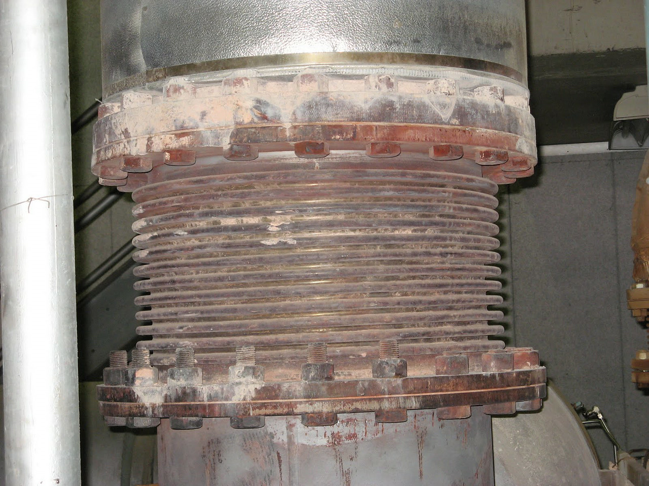 Rusted Single Expansion Joint