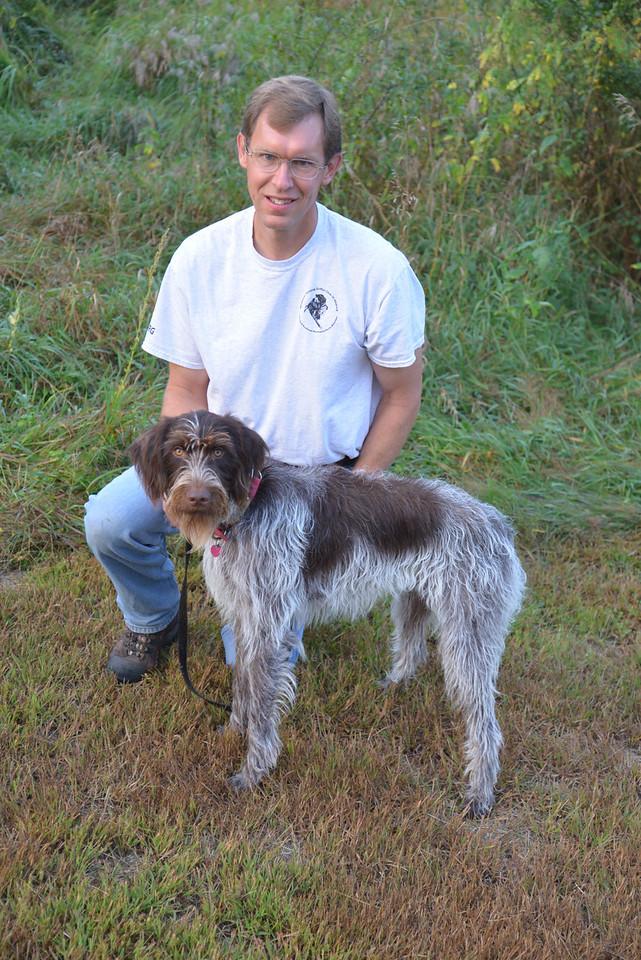 Drew of Sandhill, handler Dave Mickelson