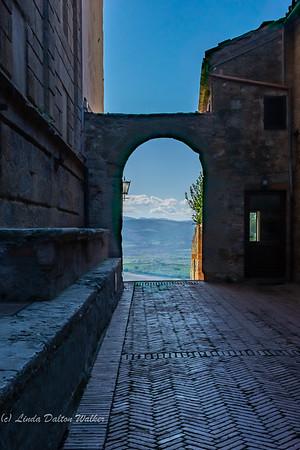 linda_daltonwalker-entrance