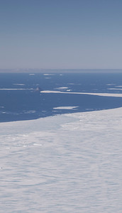 """Lindenberg Island and sea ice in the """"Larsen A"""" area"""