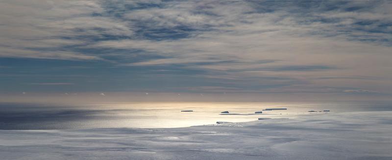 Thwaites ice shelf and icebergs in Pine Island Bay