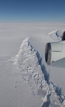 Large Crevasses on the southern flank of Pine Island Glacier