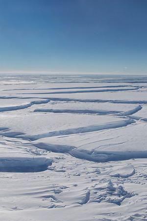 Large crevasses near the Getz Ice Shelf terminus