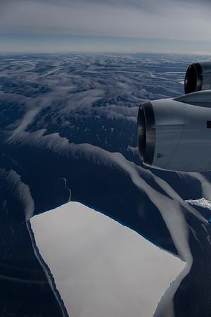 Icebergs and sea ice in the Amundsen Sea