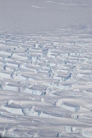 Crevasses along the Getz Ice Sheet grounding line