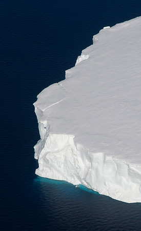 A tabular iceberg from Thwaites Glacier