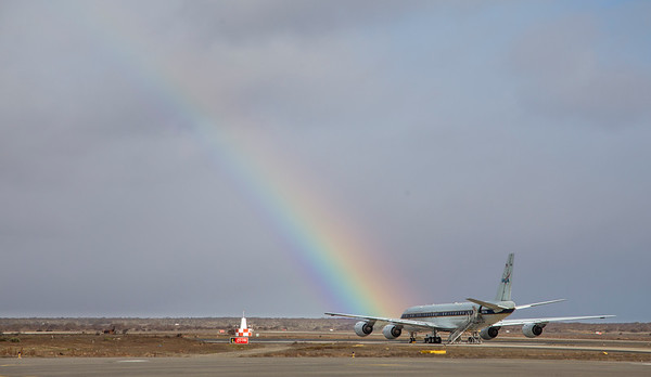 A rainbow appears while the DC-8 is on the Punta Arenas ramp