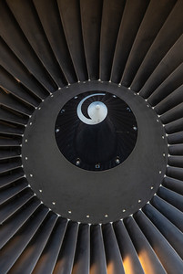 Close-up of the DC-8 engine fan and spiral