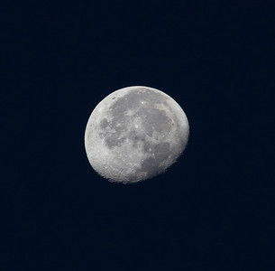 The air is so clear here, you can easily get an amazingly crisp photo of the moon