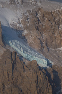 Close-up of what looks like a small hanging glacier