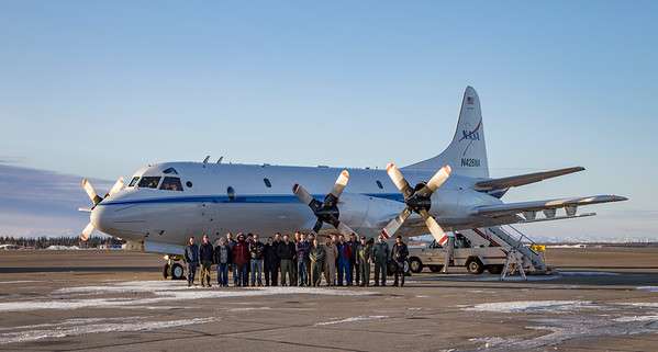 The team in front of the NASA P-3 on the ramp in Fairbanks