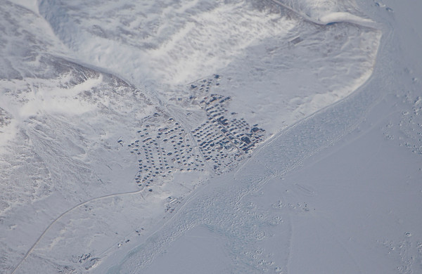 A close-up of the town of Qaanaaq