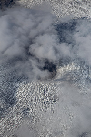 An unnamed glacier crevassing around a peninsula.