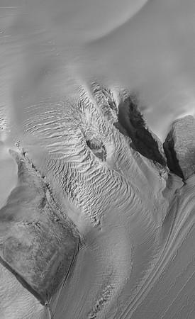A tributary of Umiamako Glacier