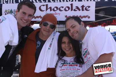 12 14 08 Muscle Beach Toy Drive   Presented by Bodybuilding com, Joe Wheatley Productions and City of L A   Hot chocolate sponsored by Fruit Gallery   Photo by Venice Paparazzi (267)
