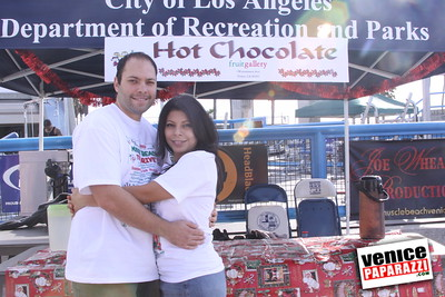 12 14 08 Muscle Beach Toy Drive   Presented by Bodybuilding com, Joe Wheatley Productions and City of L A   Hot chocolate sponsored by Fruit Gallery   Photo by Venice Paparazzi (20)