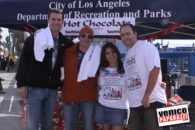 12 14 08 Muscle Beach Toy Drive   Presented by Bodybuilding com, Joe Wheatley Productions and City of L A   Hot chocolate sponsored by Fruit Gallery   Photo by Venice Paparazzi (265)