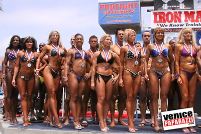 05 25 09  Muscle Beach International Bodybuilding Classic and Armed Forces Championships   www musclebeachvenice com  www venicepaparazzi com (7)