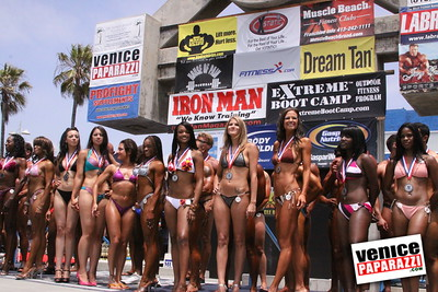 05 25 09  Muscle Beach International Bodybuilding Classic and Armed Forces Championships   www musclebeachvenice com  www venicepaparazzi com (14)