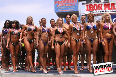 05 25 09  Muscle Beach International Bodybuilding Classic and Armed Forces Championships   www musclebeachvenice com  www venicepaparazzi com (6)