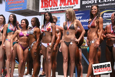 05 25 09  Muscle Beach International Bodybuilding Classic and Armed Forces Championships   www musclebeachvenice com  www venicepaparazzi com (12)